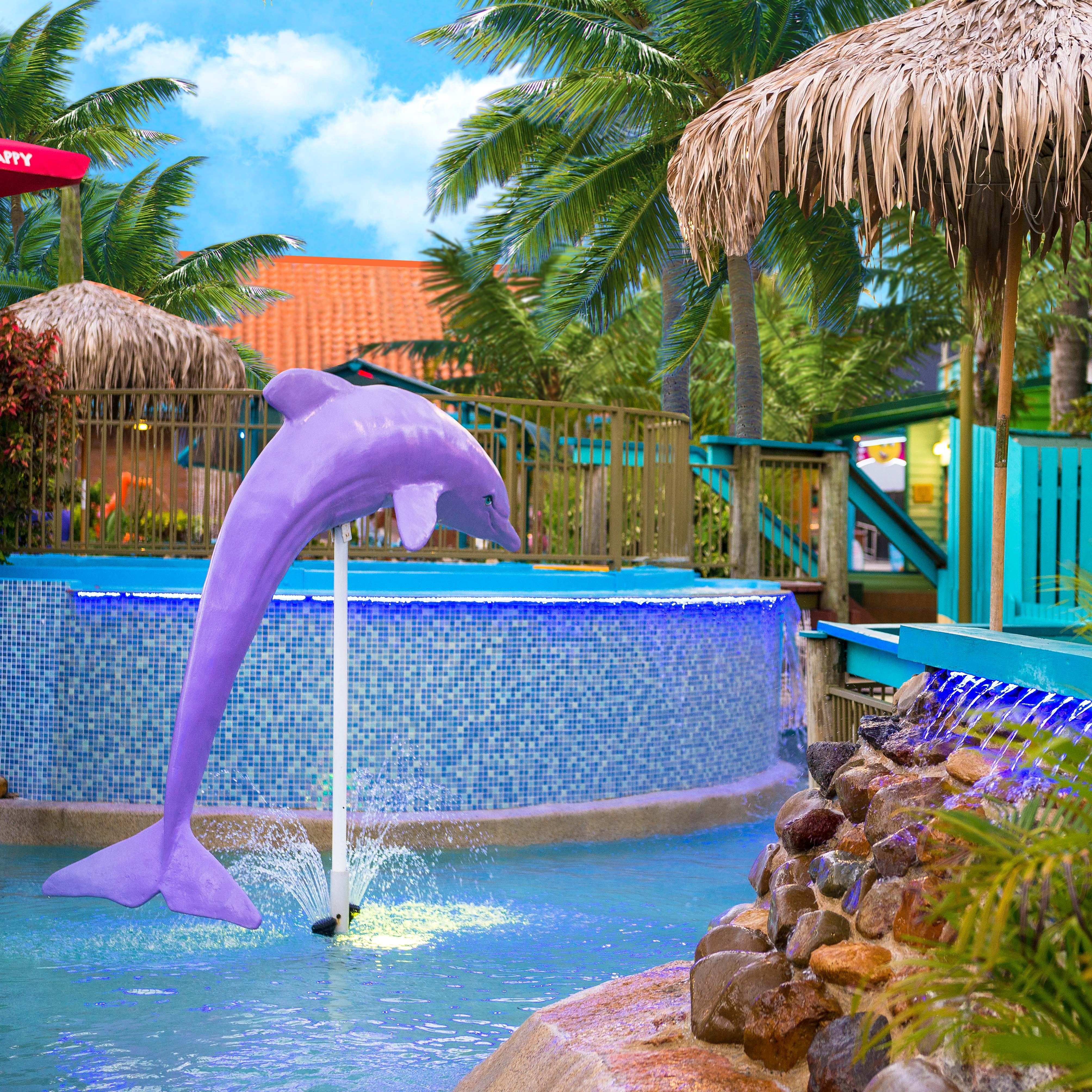 Putt Putt Golf Mermaid Beach - Waterways - Dolphin